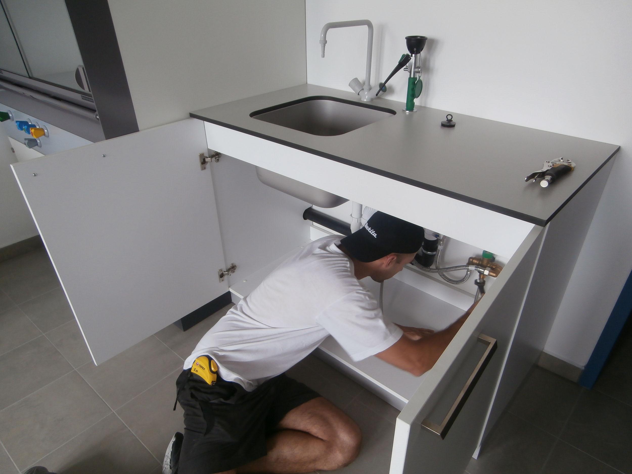 Bútorszerelés